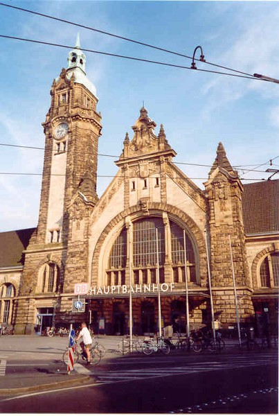 Krefeld Hauptbahnhof, (c) 2004 by Kapitän Nemo