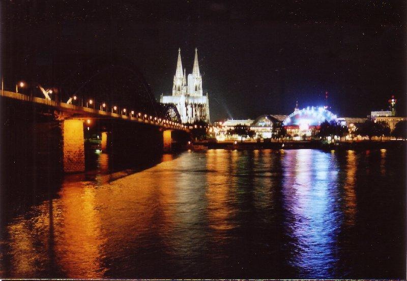 Hohenzollernbrücke, Kölner Dom und Musical Dome bei Nacht, Foto: Kiefer