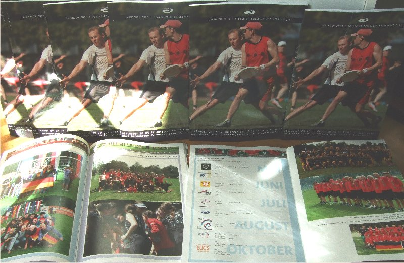 Beispielseiten des DFV-Jahrbuchs 2009