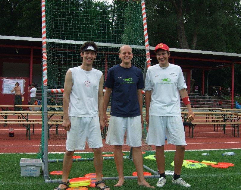 Die Sieger des Accuracy-Finales der DDC 2010 (v.l.): Daniel (3.), Michi (1.) und Ferdi (2.)