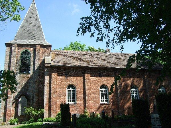 Die ev.-ref. St. Johannes Baptist-Kirche in Grotegaste