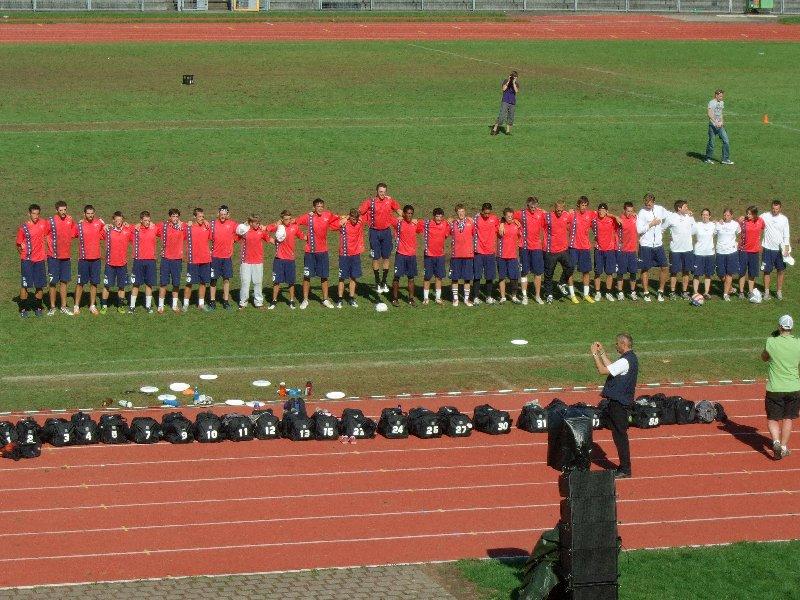 Junior Open-Weltmeister USA bei der Nationalhymne vor dem Finale gegen Kanada