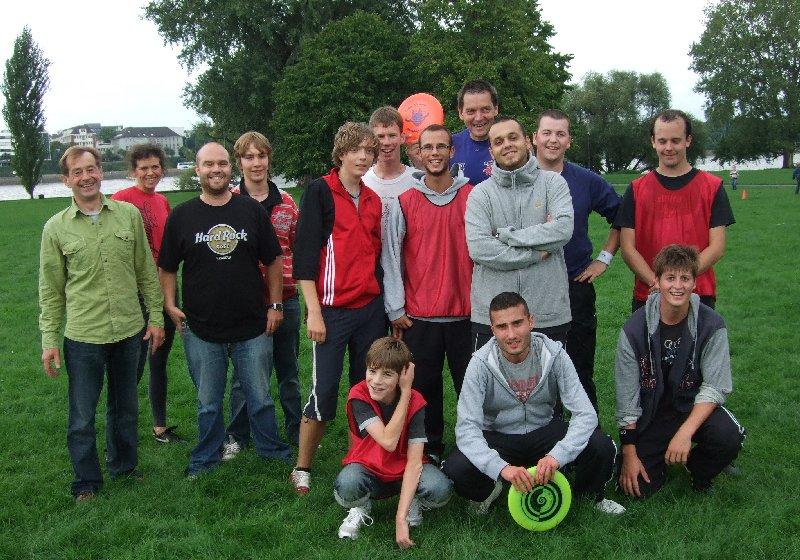 """Frisbeeaktion beim 2. """"Sportlich aktiv im Rheinpark"""" 2010"""