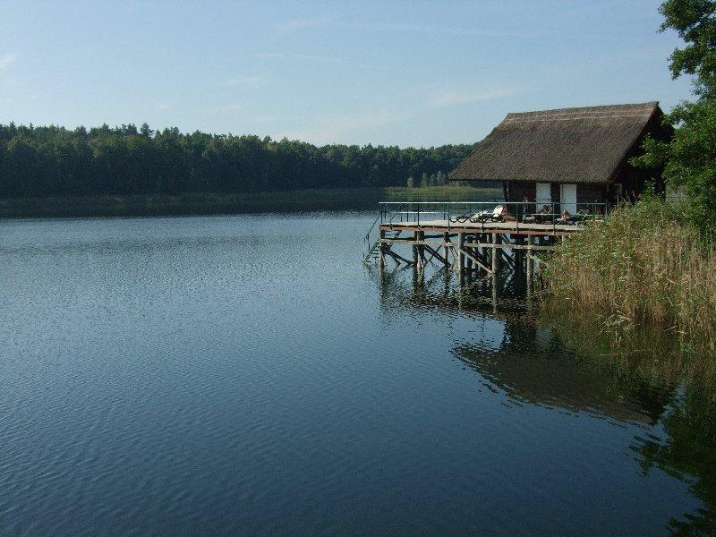 Das Badehaus des 4-Sterne-Hotels am Großen Döllnsee