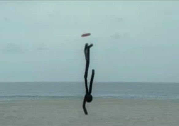 Screenshot des animierten Nike-Werbespots zum Thema Freestyle Frisbee aus dem Jahr 2007