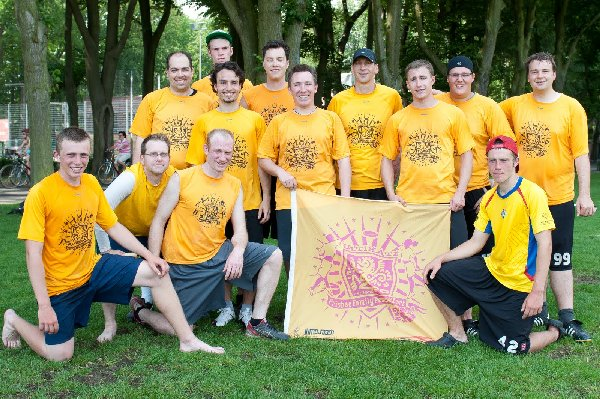 """Die Open-Riege der """"Frisbee Family"""" aus Düsseldorf-Pempelfort"""