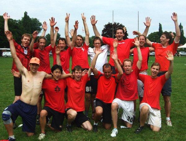 Kölns zweite offene Ultimate-Mannschaft Frühsport 0,5 freut sich über eine gelungene Quali in Hannover