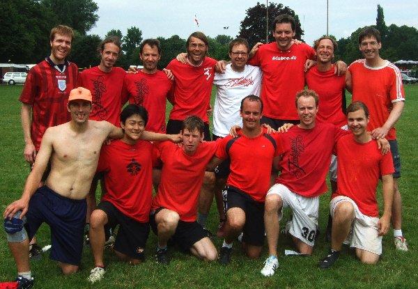 Die Mannschaftsaufstellung des Ultimate-Teams Frühsport 0,5 bei der Open Quali 2011 in Hannover