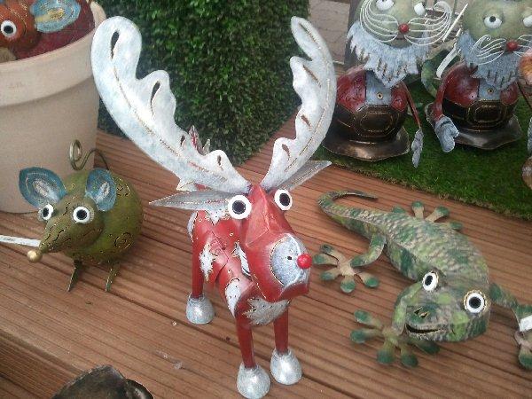 Mit Kerze von innen beleuchtbarer Metall-Elch bei Dinger's Gartencenter