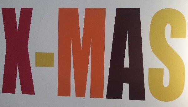 XMAS-Schriftzug in einem Dekoladen